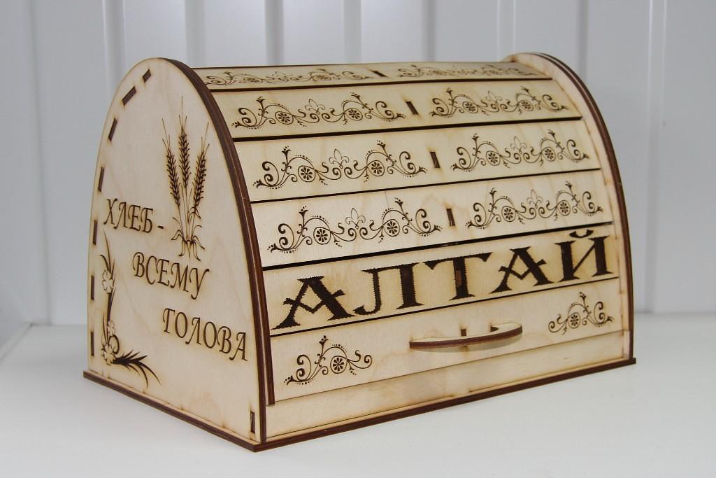 Хлебница из дерева