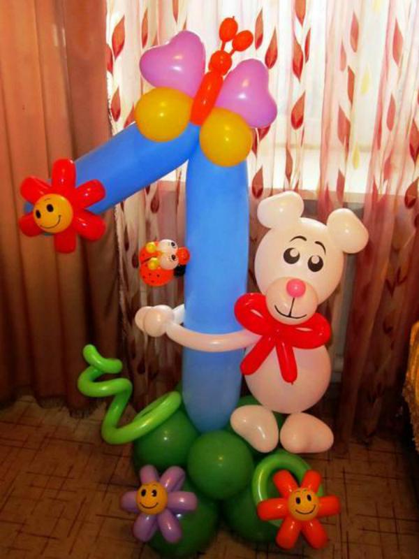 Единичка с мишкой из воздушных шаров