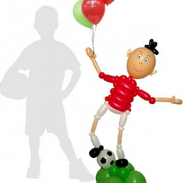 Футболист с шарами