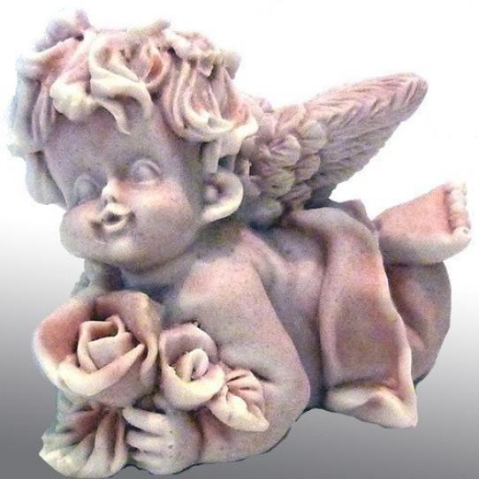 Ангел с розами лежащий4,5см
